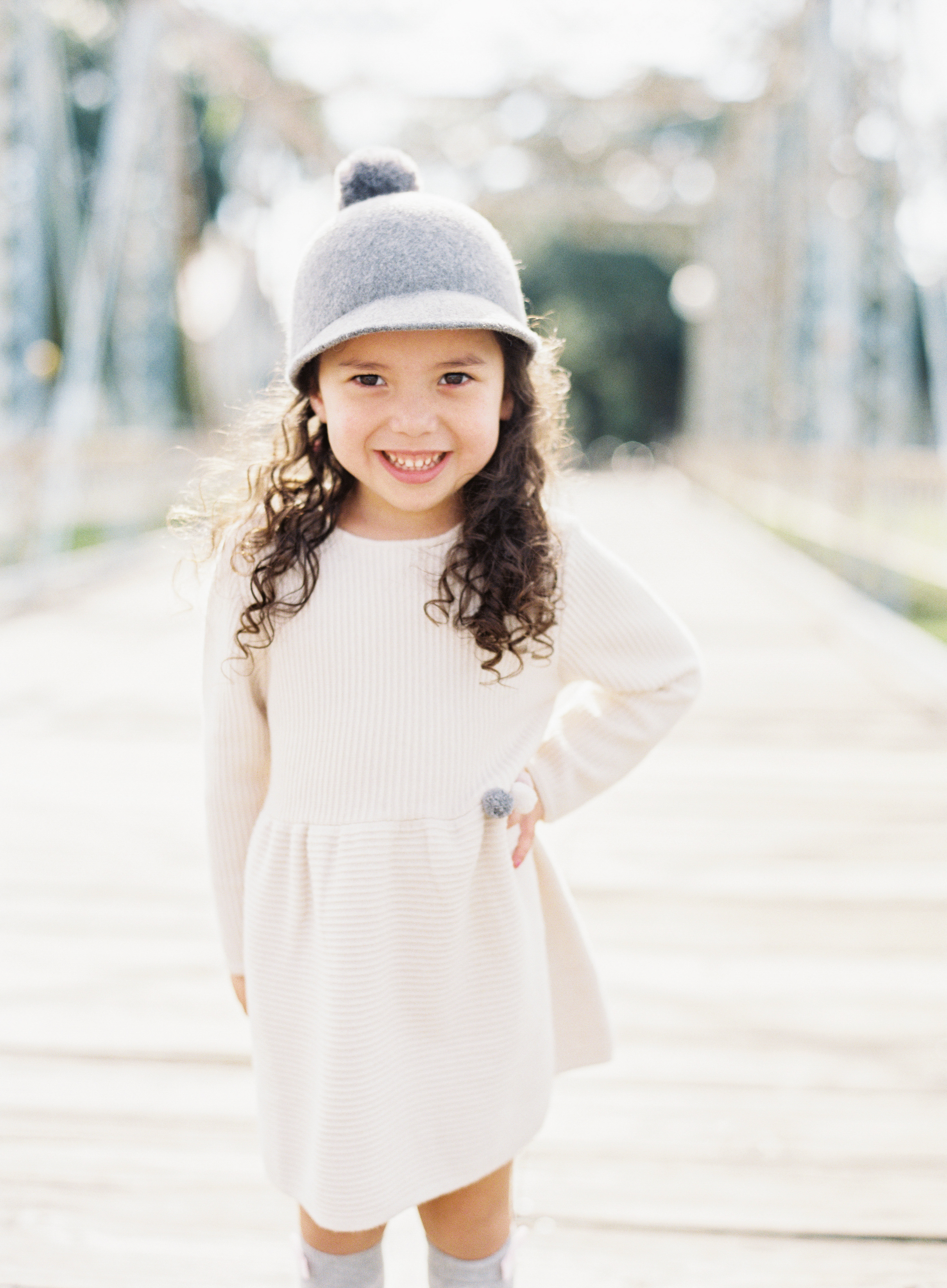 poses, what to wear, outdoor, ideas, with toddler, park, toddler pose, sisters