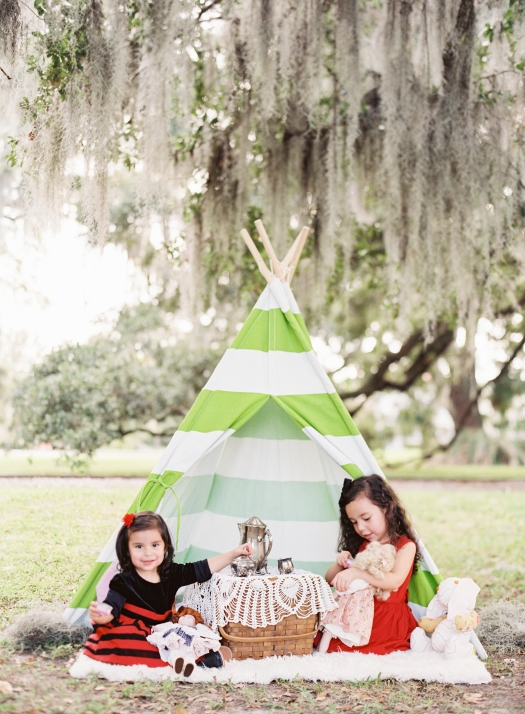 poses, what to wear, outdoor, ideas, with toddler, park, tea party, sisters, siblings